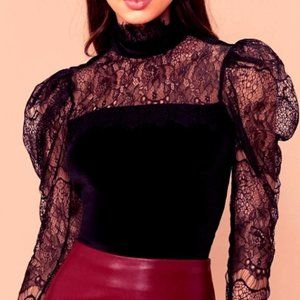 Lace Puffy Sleeved Blouse
